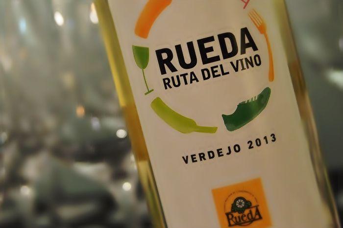 La Ruta del Vino de Rueda presenta en Fitur la diversidad de su oferta turística https://www.vinetur.com/2015012617986/la-ruta-del-vino-de-rueda-presenta-en-fitur-la-diversidad-de-su-oferta-turistica.html