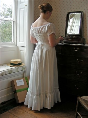 The victorians had the right idea about modest underwear! Nothing left showing, but pretty and feminine.     http://www.ironbridge.org.uk/shop/victorian_threads/