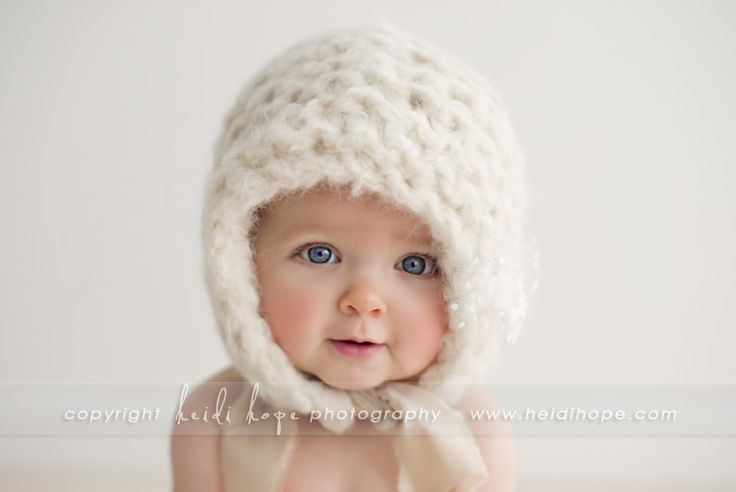 This hat, owe this hat....if you put this on your baby at the snow sessions....I might just have to be your best friend.