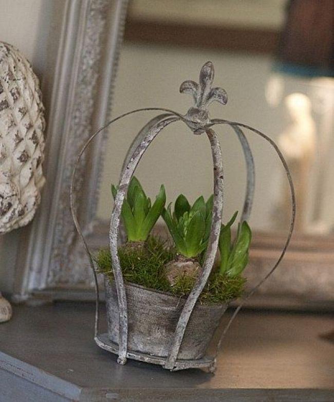 Shabby Chic By Moph Jardin Pinterest Flowers Crown And Decor Crown Decor Flower Pots Flower Arrangements