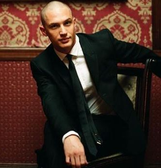 oh, yes...loving the shaved head <3