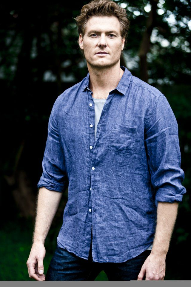 Myles Pollard (November 4, 1972) Australian actor, o.a. known from 'McLeods Daughters'.