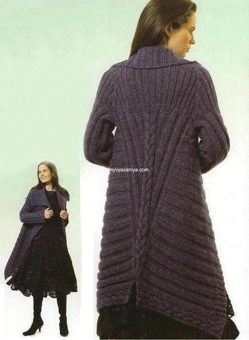 Пальто, вязанное резинкой и с узором коса.Размеры пальто: S, M и L