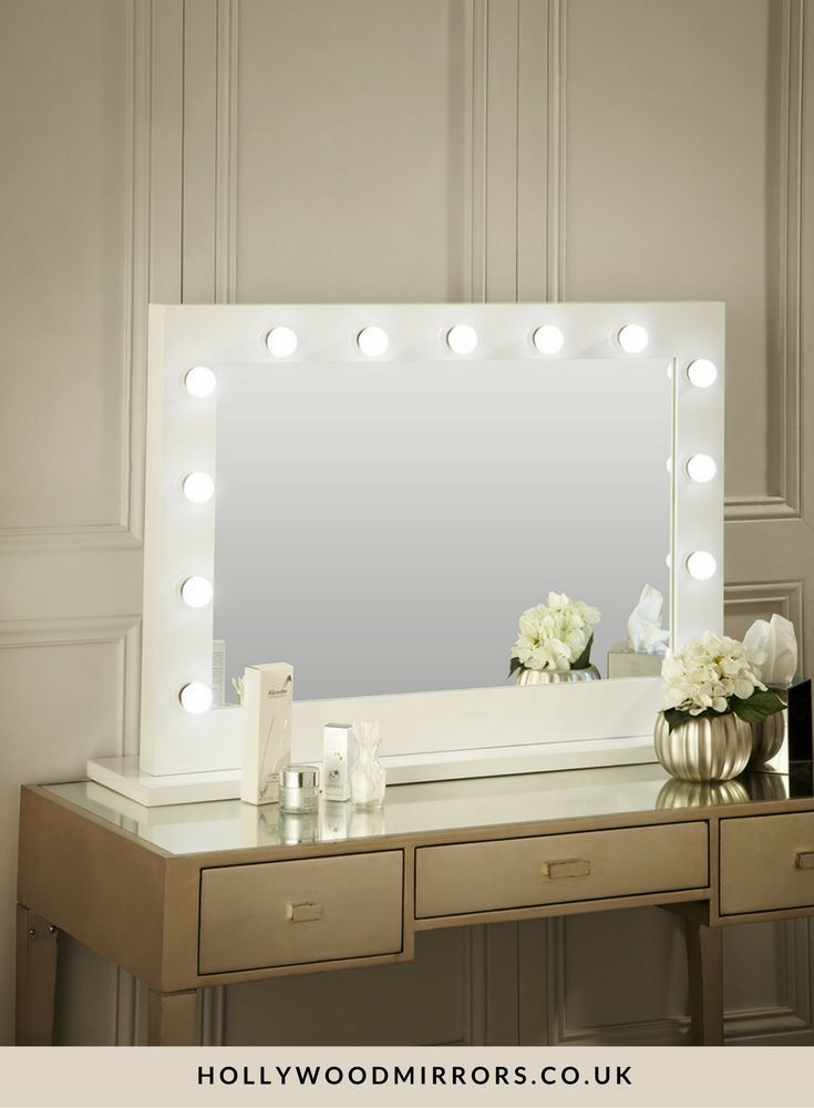 White Vanity Desk With Lights : 25+ best ideas about Mirror With Lights on Pinterest Makeup desk with mirror, Makeup vanity ...