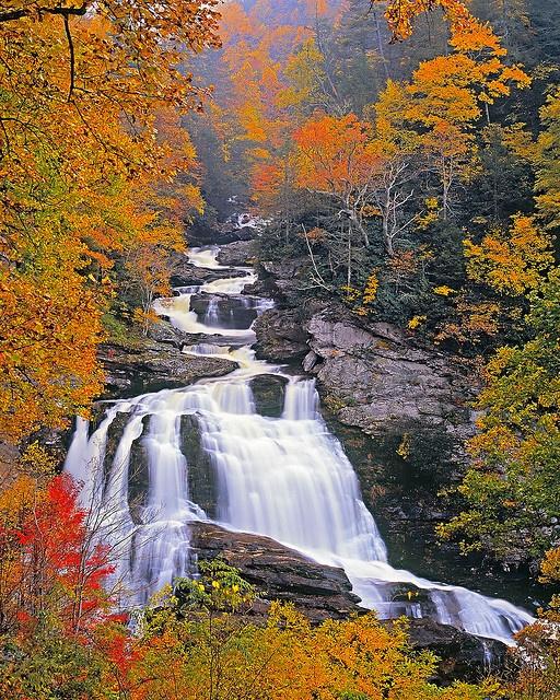 Autumn at Cullasaja Falls in North Carolina. Beautiful photo by Michael Kight (Flickr)