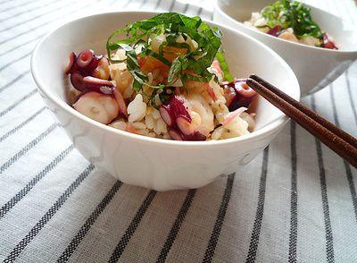 たこ飯は炊き込みご飯の中でも旨みが強くて食べ応えのあるレシピ。コラーゲン豊富な食材で美肌効果もあるし、カロリーが低くいのでダイエット食にもピッタリ♪郷土料理の本格たこ飯は生タコを使うけど、家庭用ならパックで販売されている茹でダコで十分!プリプリたこ飯の簡単&美味しいレシピを紹介します。