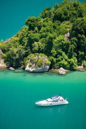 Isla Grande, Parati, Angra dos Reis and Isla da Gipoia, a sailing tour along the best of the Brazilian Coast!