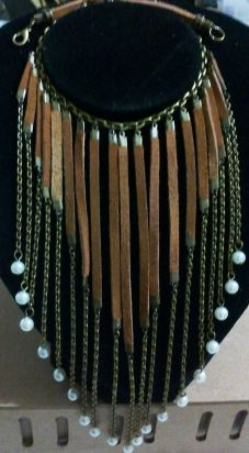 Maxi colares em couro, couro para fabricação de maxi colares, couro para acessórios, acessórios em couro