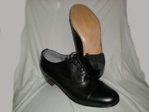 Peter -- Men's High Heel Oxford -- Black  Leather upper, leather sole. Classic cap toe oxford design, cuban heel, and comfortable. Ideal for salsa, swing or tango dancing. Original Aris Allen dance shoe.
