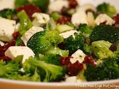 Brokkolisalat med soltørket tomat og fetaost - TRINEs MATBLOGG