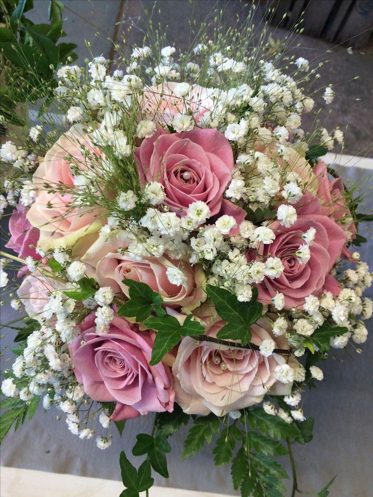 Olika rosa rosor, brudslöja, fontängräs mm