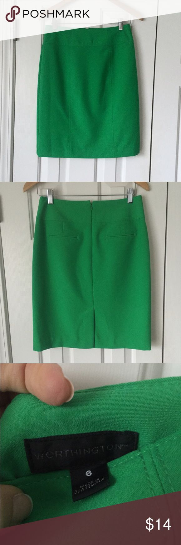Beautiful bright green skirt! Perfect for work or dress up for a night out! Bright true green color. In excellent condition! Worthington Skirts Mini