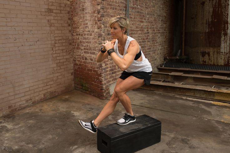 Trainer Erin Opera - Carrie Underwood legs workout