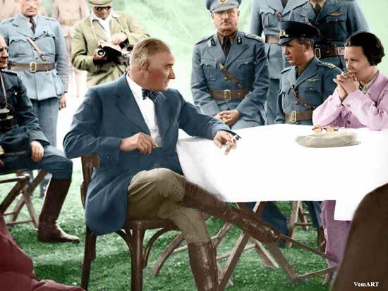 100 Yılın Lideri Mustafa Kemal ATATÜRK