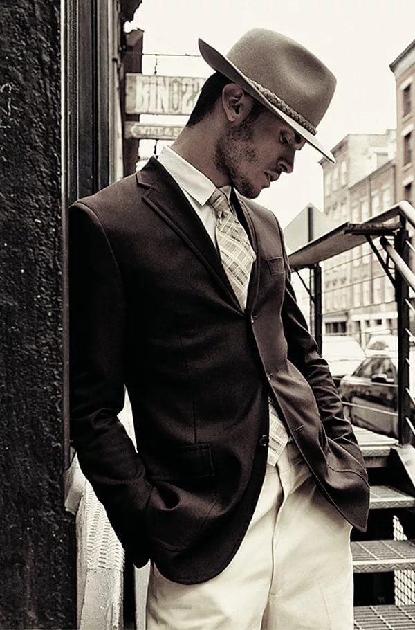 Фото мужчин в костюме и шляпе