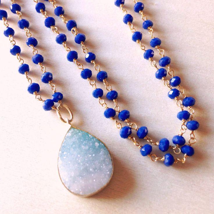 Un favorito personal de mi tienda de Etsy https://www.etsy.com/es/listing/293993217/druzy-necklace-blue-agata-and-druzy