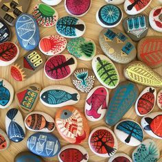 """Beautiful paintings on stones by Füsun Aydınlık @zeustones @molacunda"""