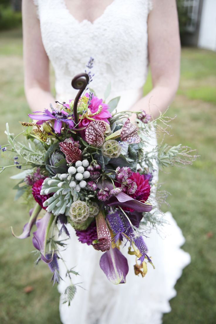Molly Lo. Floral wreath, Wedding, Bouquet