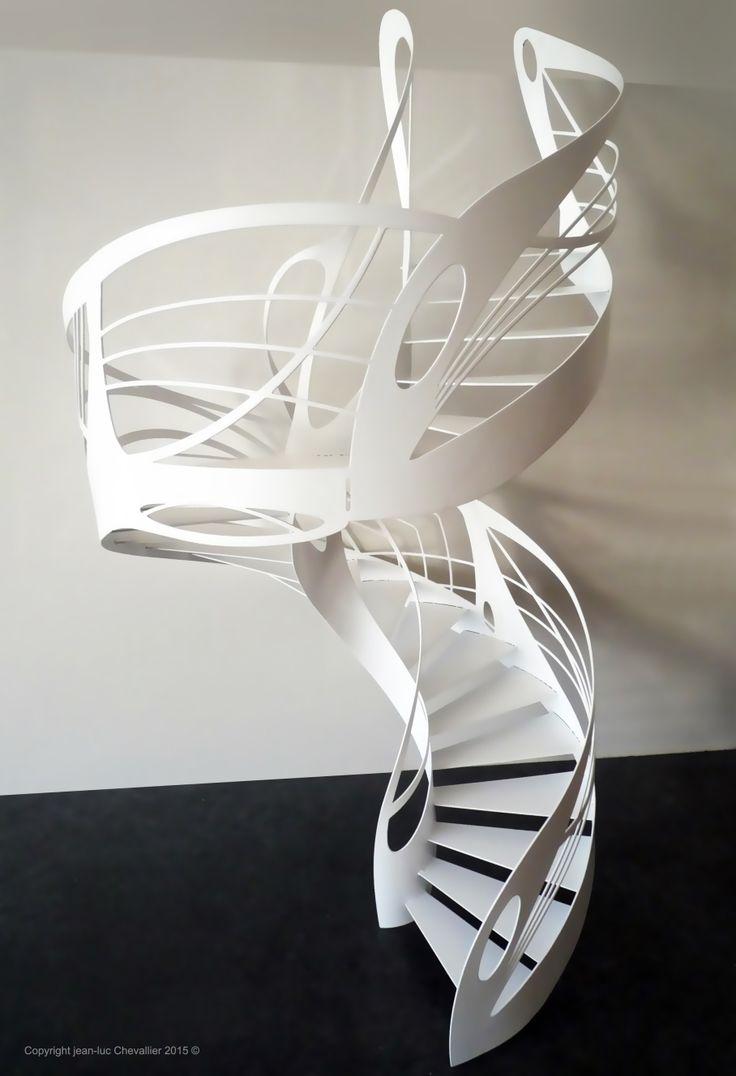 Escalier design en colimaçon, dessiné et réalisé par Jean Luc Chevallier pour La Stylique.