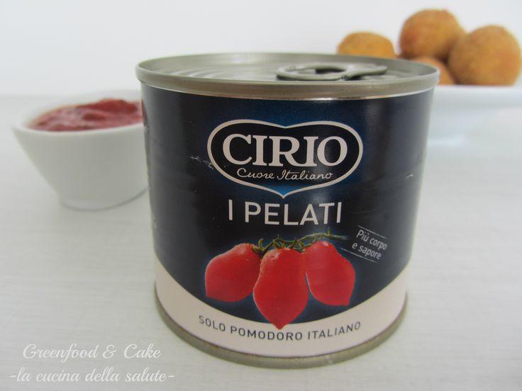 I pelati Cirio protagonisti dei mini arancini di riso http://blog.giallozafferano.it/greenfoodandcake/arancini-di-riso-con-salsa-di-pomodoro-al-basilico/