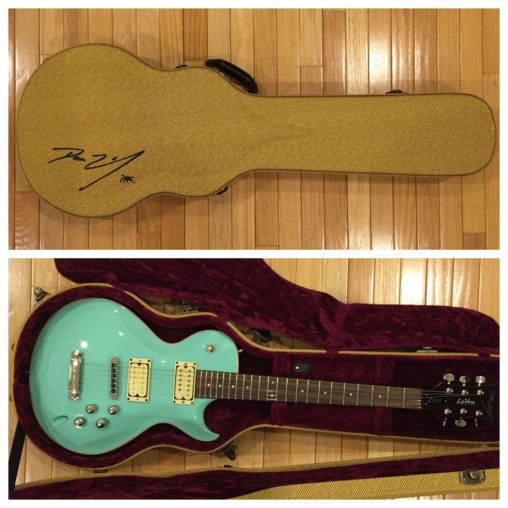 Dean Zelinsky LaVoce electric guitar with piezo pickups in Seafoam Green