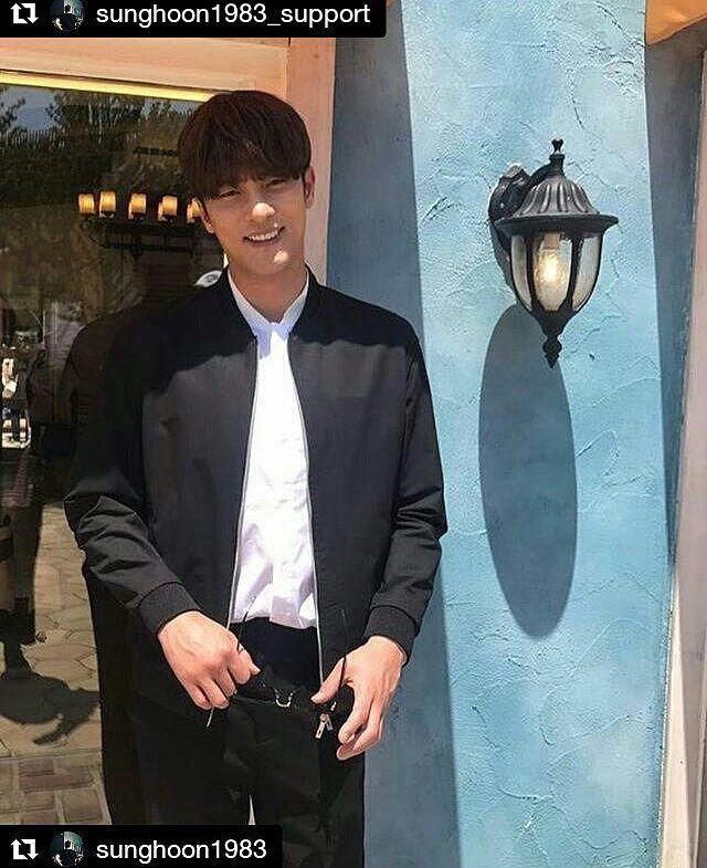 28 個讚,1 則留言 - Instagram 上的 Debbie Moh(@debbie_moh):「 #Repost @sunghoon1983_support ・・・ #SUNGHOON during break time #SBS #IDOLMASTERKR shooting . #Repost… 」