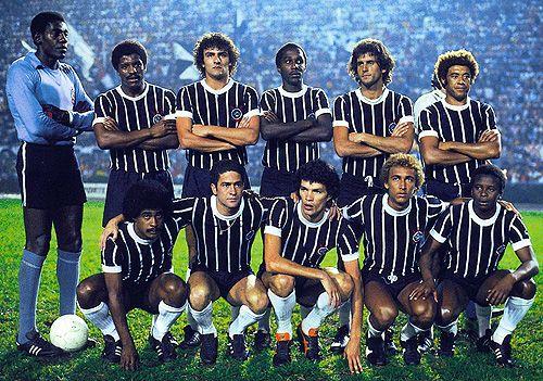Corinthians, 1978. Em pé: Jairo, Zé Maria, Taborda, Amaral, Zé Eduardo e Romeu. Agachados: Piter, Palhinha, Sócrates, Biro-Biro e Wladimir