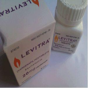 제품명: 레비트라정10mg (Levitra Tab. 10mg) 전문/일반: 전문 제조 및 수입원: 바이엘코리아 판매 회사: 바이엘코리아 복지부 분류: 259 – 기타의 비뇨생식기관 및 항문용약 보험코드/구분: 영문 성분명: Vardenafil HCl 11.852 mg 한글 성분명: 염산바데나필 11.852 mg 생산여부: 생산 미국 FDA …