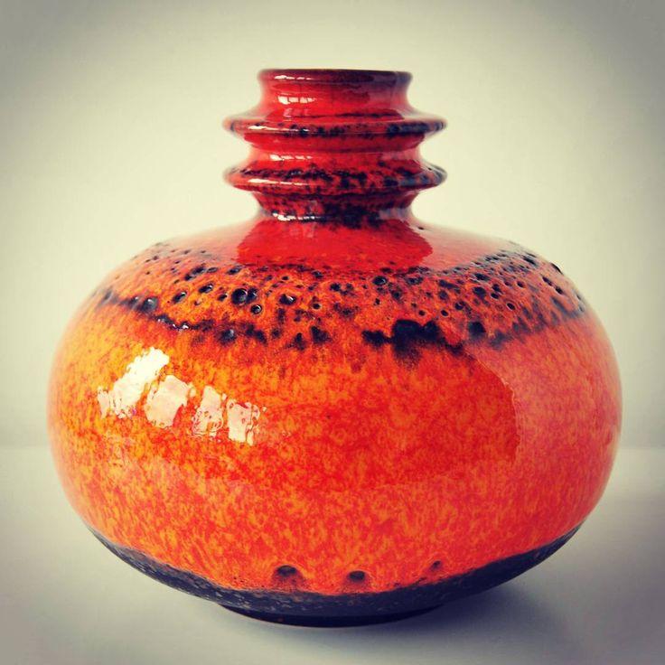 West German Carstens Atelier #fatlavaglaze#fatlava#blue#vase#twohandledvase#potteryart#art#design#westgermany#midcentury#vintagepottery#retropottery#vintage#retro#60s#50s#midcenturydesign#ceramics #vintageceramics#european #european pottery#potterystudioart#moderndesign#modern #carstens #handmade