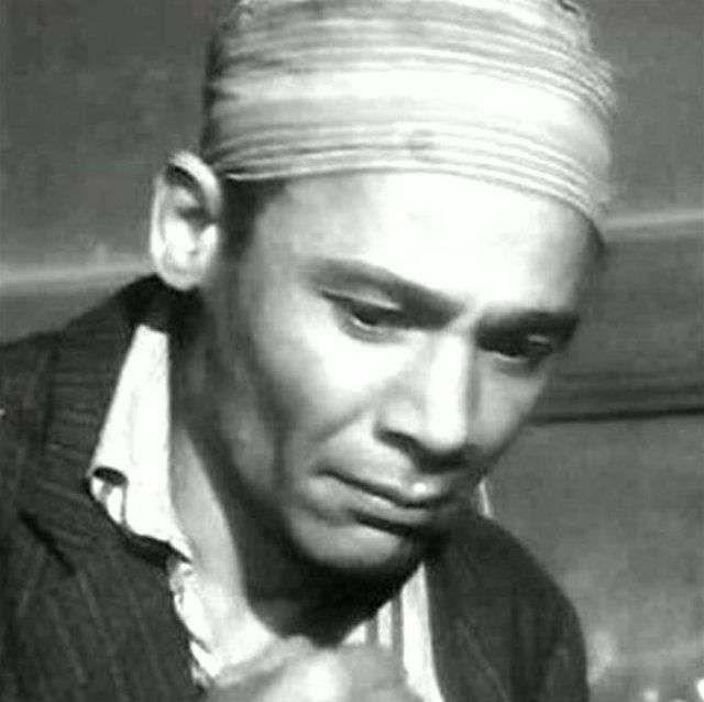 محمد حسن توفيق 1908 2003 ممثل مصري كبير بارع التحق بمعهد التمثيل في مطلع الثلاثينيات من القرن العشرين وبعد بضع سنين Egyptian Actress Nostalgia Greek Statue