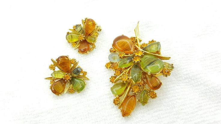 Art Signed Glass and Rhinestone Brooch and Clip Earrings Natural Beauties #jewellery #jewelleryset