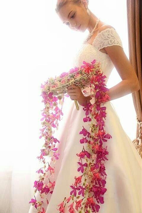 Stunning Cascading Floral Bouquet by Runebergin Kukka Dan Ward Helsinki