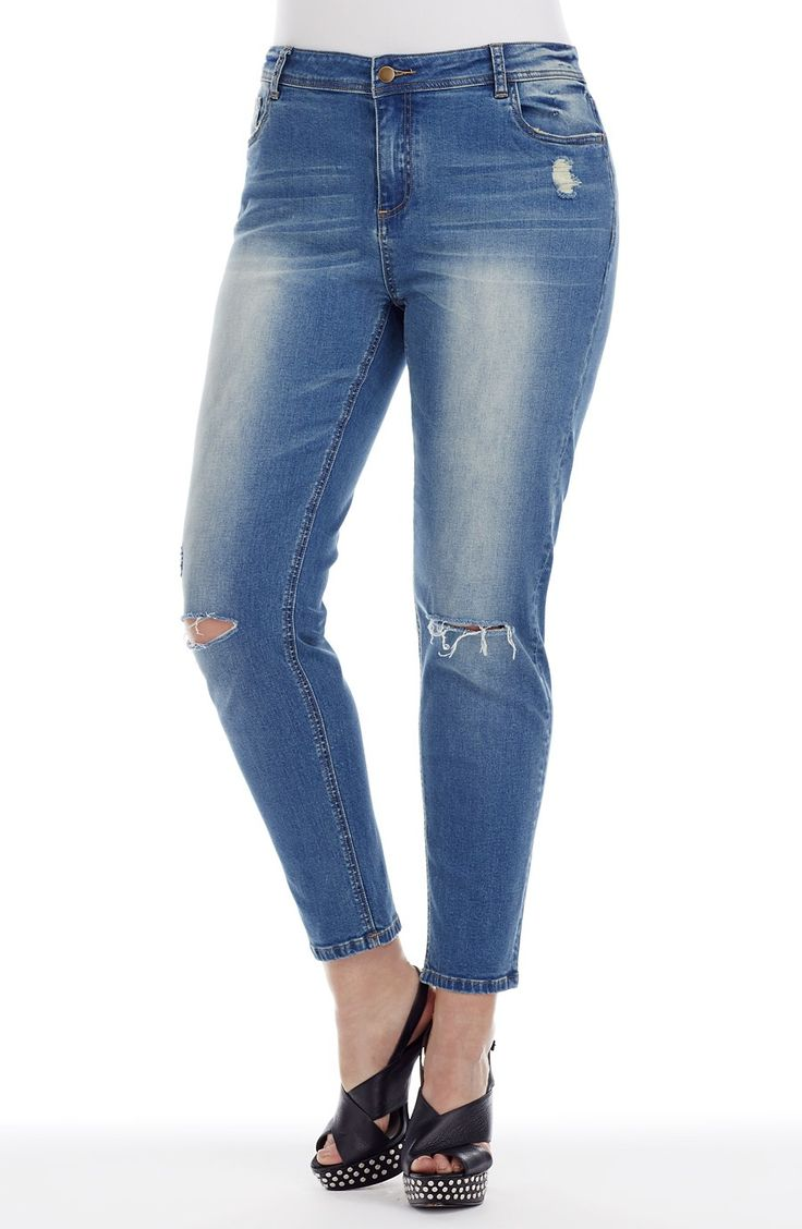 Slashed Knee Straight Leg Jean | P Style No: J3103 Straight leg jean with 'slashed' detail on knees. This 5 pocket straight leg jean features a slashed knee detail over a light leg wash, with whiskers on the front. #dreamdiva #dreamdivafiles #fashion #plussize