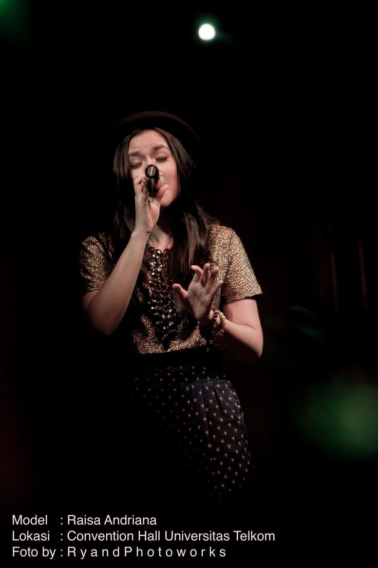 Raisa andriana on stage yuhuuuu