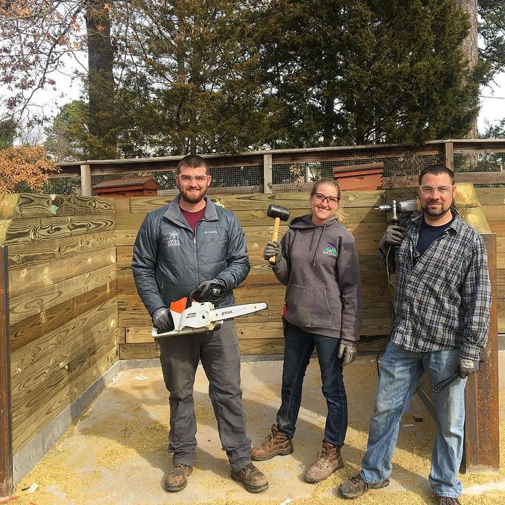 Our Doris Duke Center Gardens team is not just great at gardening and garden design theyre talented carpenters too! Check out the new #compost bins in the Charlotte Brody Discovery Garden. #sustainability is the driving force in this #organic food garden. . . #pictureduke #dukewinter #durhamnc #dukegardens #dukeuniversity #dukestudents #bestofdurham #bestofthebull #picturedurm #dukediscoverygarden #durm #foodgarden #growingveggies #growyourownfood #eatorganic #healthyeating #carpentry…