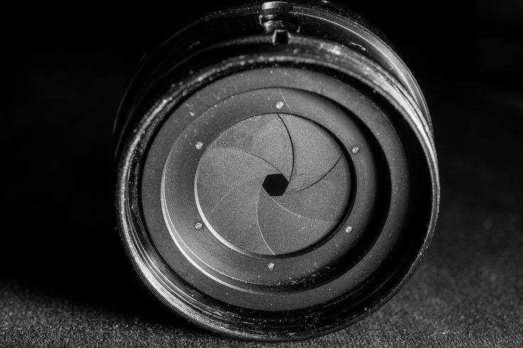 Tutorial über die Grundlagen der Fotografie Part 1: Die Blende. Wie wird der Hintergrund und Vordergrund unscharf und was sind die Blendenzahlen?
