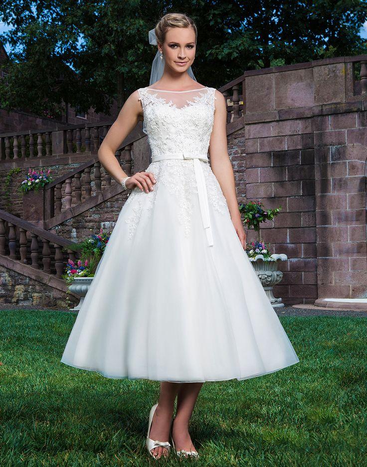 69 best Brautkleider 2016 images on Pinterest | Short wedding gowns ...