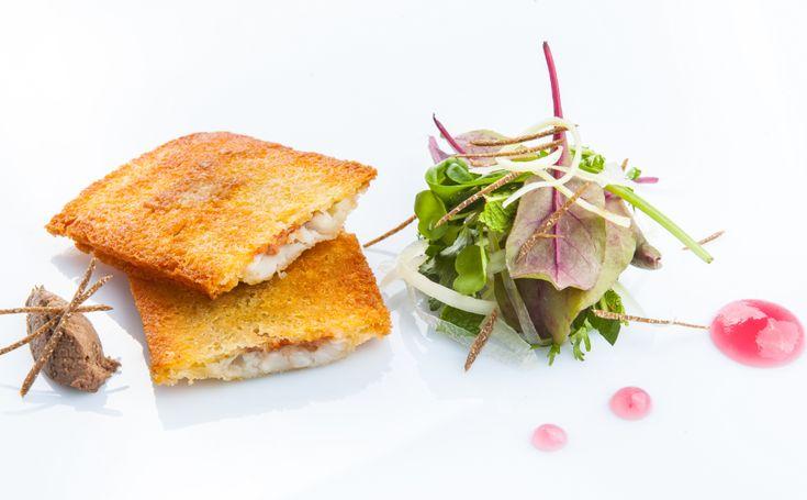 Continuiamo a scoprire le ricette protagoniste del Taste of Roma a settembre!Ecco per voi un sandwich gourmet preparato da uno chef d' eccezione..Giulio Terrinoni!Classe '75, cresciuto tra i fornelli a contatto...