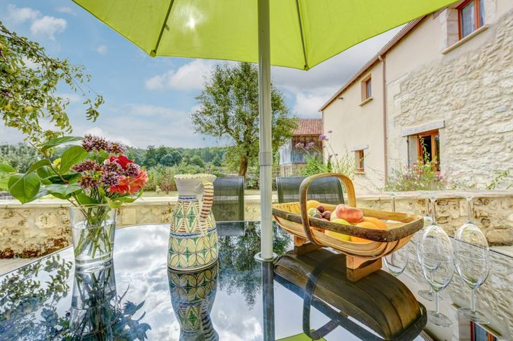 Lovely holiday gite in rural Dordogne. We are nestled in a valley between vineyards and forests, but with quick road links. #Holiday #France #Dordogne #property #rural #barn #vineyards #wine #local #products #traditional #tasting #delicious