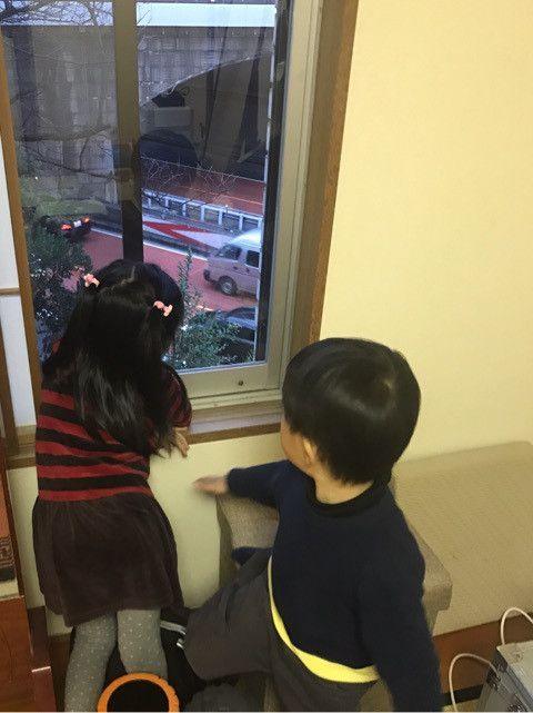 闘病中の妻・小林麻央さんのサポートをしながら、子育てに奮闘中の市川海老蔵さん。海老蔵さんの職業といえば歌舞伎役者ですが、息子の勧玄くんの本格的な稽古の日が近づいているようです。勧玄くんは今年で4歳の誕生日を迎えます。まだまだ親に甘えたい年齢ではありますが、海老蔵さんは「そろそろかな」と覚悟を決めてい
