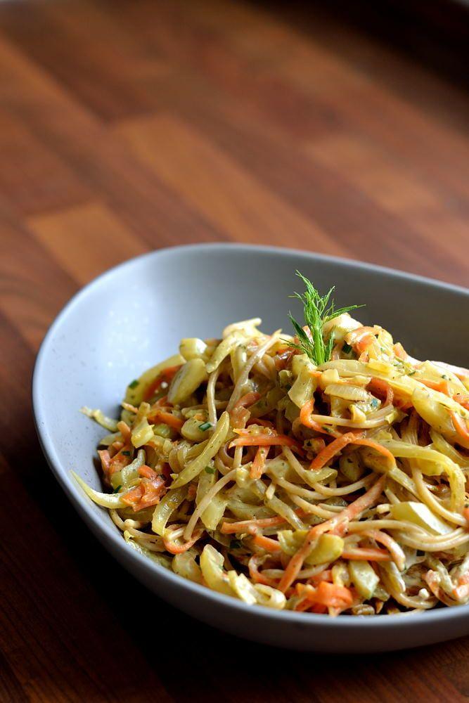 Spaghetti mit karamellisiertem Fenchel, Karotten und Ziegenkäse