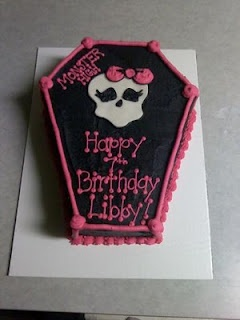 Monster High cake: High Parties, Cakes Ideas, Birthday Parties, Coffin Cakes, Parties Ideas, Monster High Cakes, Birthday Ideas, Birthday Cakes, Monsters High Cakes