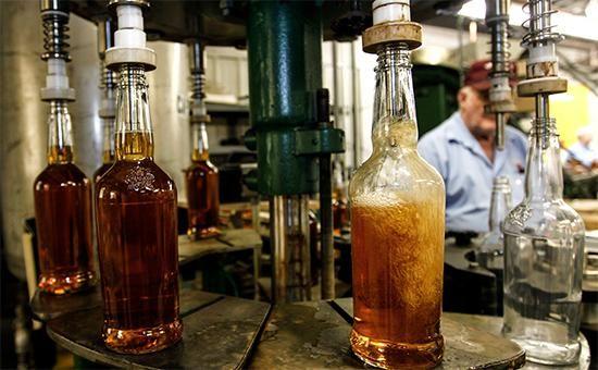 Россиянам вкризис предложили имитирующие виски иром напитки :: Бизнес :: РБК