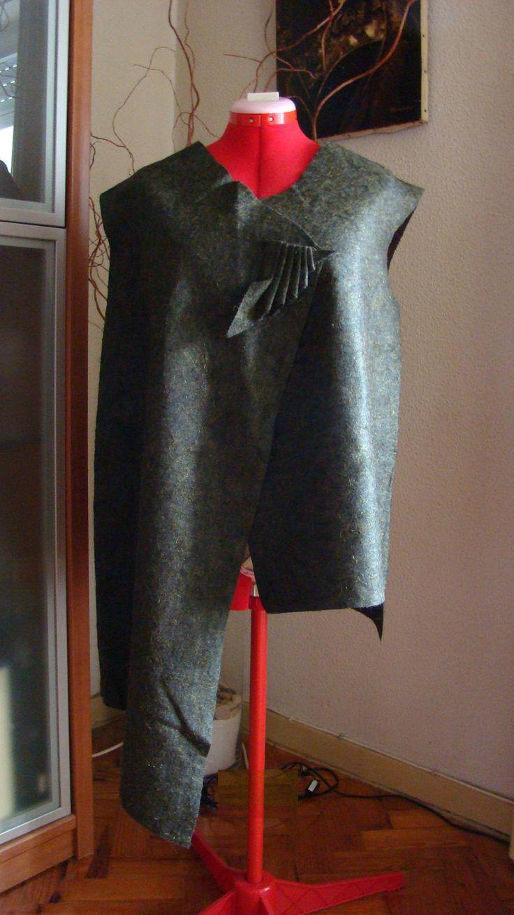 Green Assimetric Vest