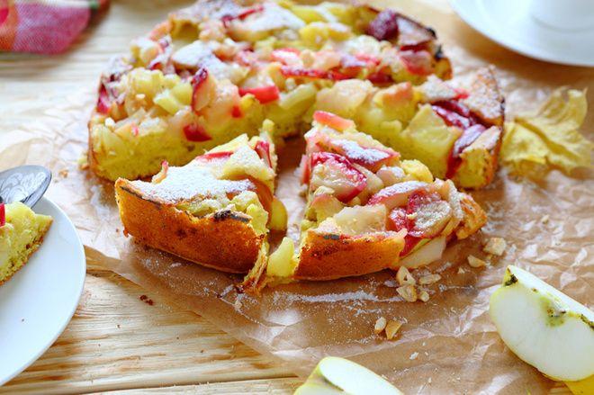 Sastāvdaļas ½ glazes pilngraudu miltu ½ auzu pārslu 6 āboli 1 glāze 1% kefīra 1 ola 2 olas baltumi 1 tējkarote cepamā pulvera Saldinātājs pēc garšas Pagatavošana Sajauc pilngraudu miltus, auzu pārslas, saldinātāju, olu un baltumus, pievieno kefīru. Iegūsiet pankūku mīklas konsistences mīklu. Ļauj mīklai nedaudz pastāvēt, lai auzu pārslas uzbriestu. Pievieno cepamo pulveri, kanēli, …