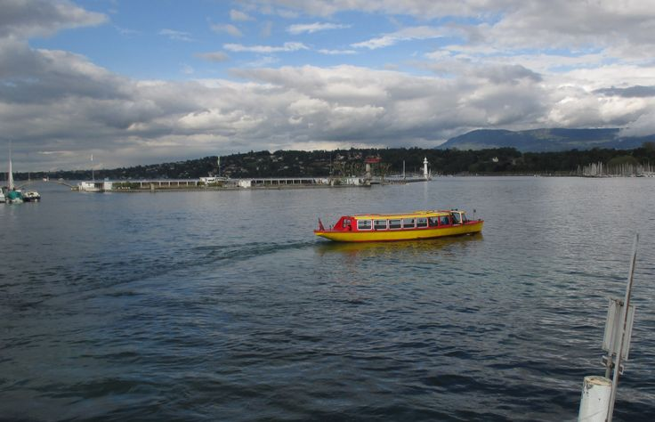 Mouettes, or yellow taxi shuttle boats, are Geneva's public transport boats operated on the Geneva Lake / Lac Léman, between 4 harbours in a city center * http://www.geneva.info/lake-boats/#mouette