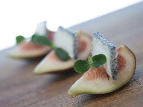 SMALL BITES: Fresh Figs with Gorgonzola (gorgeous, simplistic presentation)
