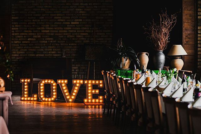 How sweat!  Our bulbslights letters on its first wedding  Litery z żarówkami na przyjęciu ślubnym Love is in the air! ❤ #lamps #lights  #eastlightscom_ #bulblights #cinemalightbox  #urodziny #wesele  #dekoracje #slub #design  #madeinpoland #handmade #uniquelamps #neonlights #neon #love