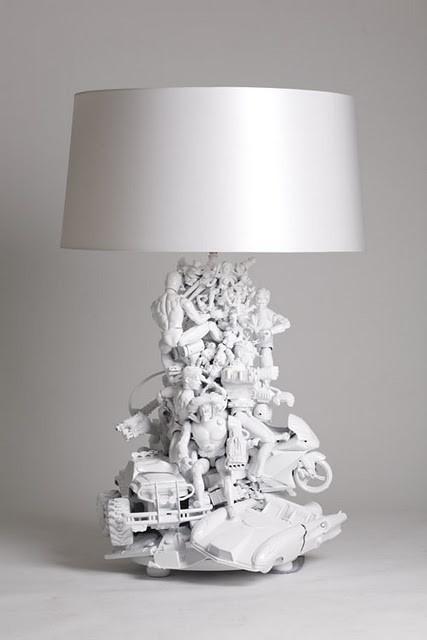 Lampenvoet van speelgoed left overs  wit gespoten