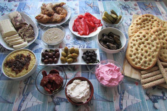 Greckie smaki: Posiłki na Kathara Deftera